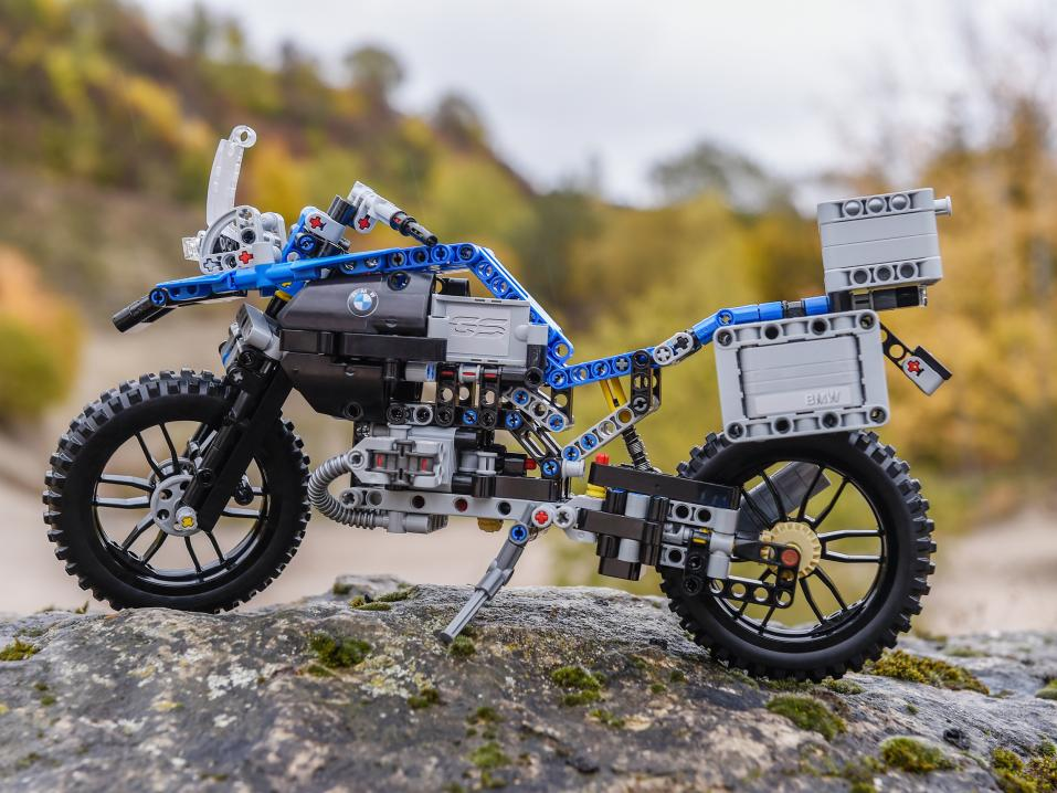 Lego Technic BMW R 1200 GS Adventure -rakennussarja.