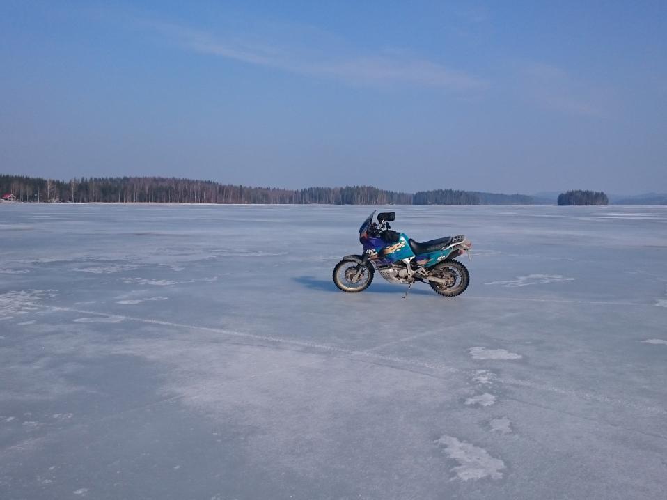Talvimoottoripyöräily ei ole extreamelaji  781b636a7b