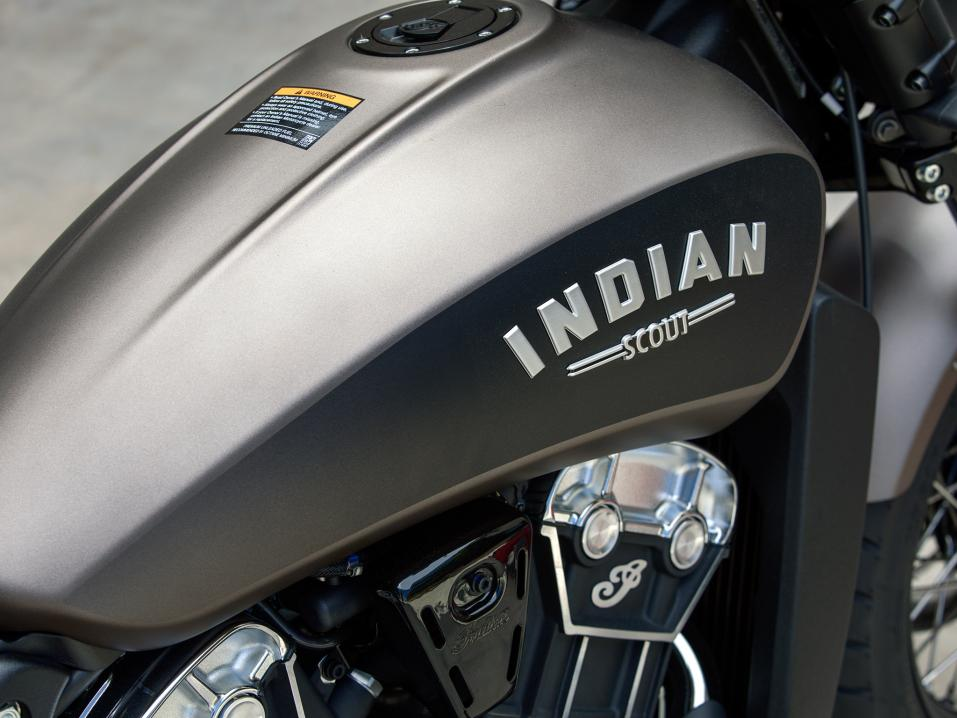 Mallivuoden 2018 Indian Scout Bobber.