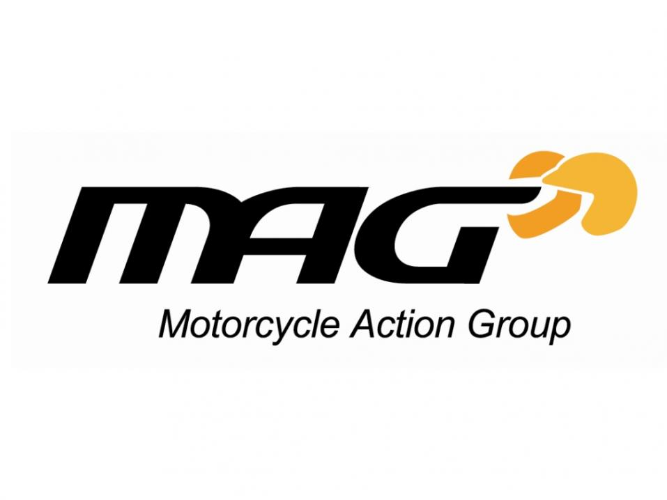 Englantilaisen Motorcycle Action Groupin MAG:n logo.
