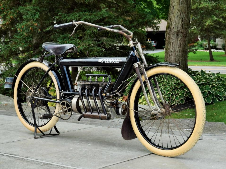 1911 Pierce Arrow Four.