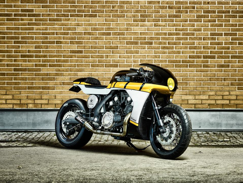 It roCkS!bikesin rakentama Yard Built Yamaha VMAX 'CS_07 Gasoline'.