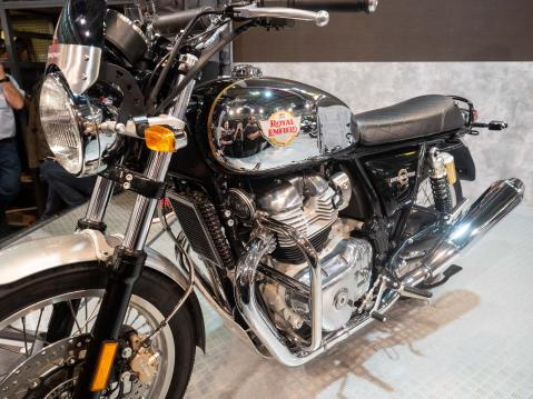 Royal Enfield Interceptor INT 650:n tuotantoversio.